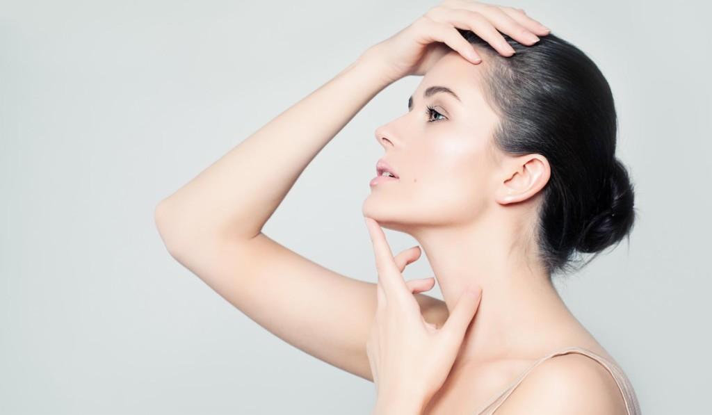 Facial Cosmetic Surgeon in Hamilton Ontario discusses facelift surgery.